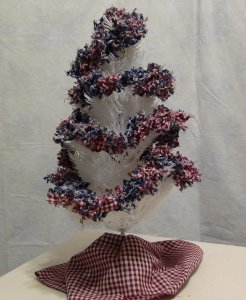 Country Christmas Garland with Homespun Fabrics